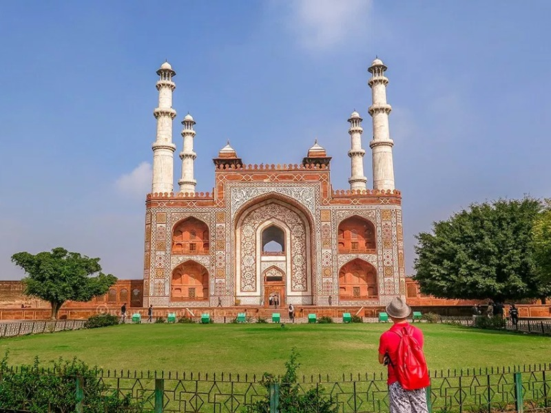 best time to visit akbar's tomb