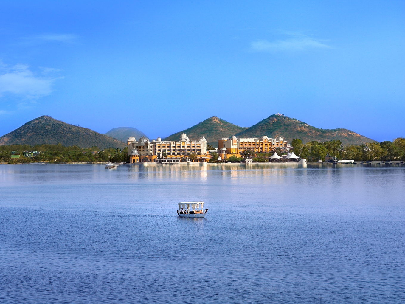 fateh sagar lake udaipur photography tour of northern india