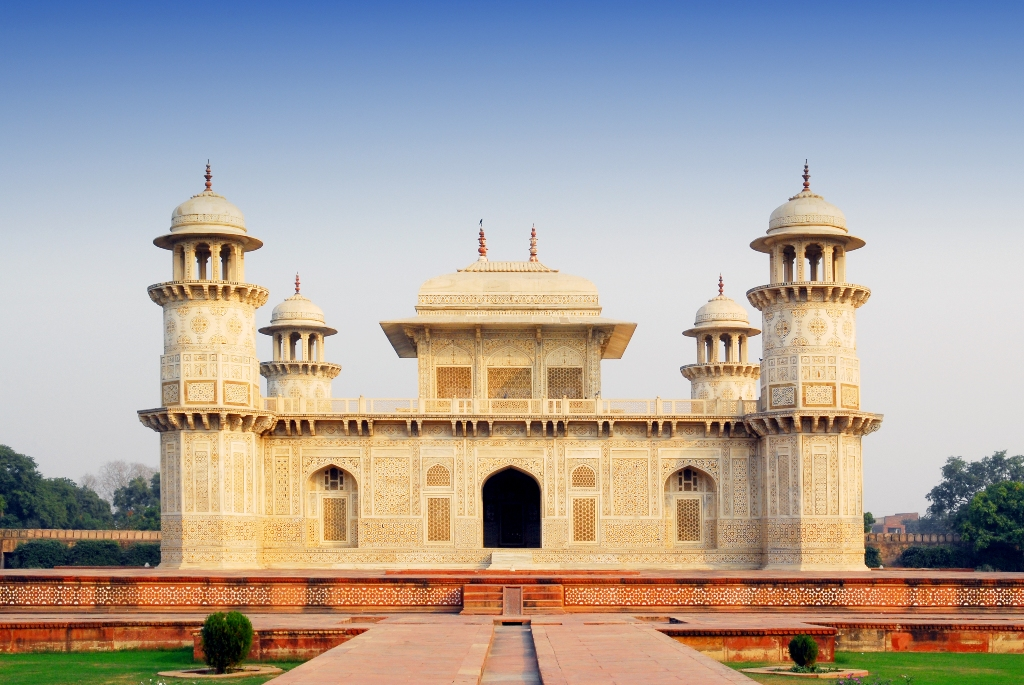 tomb-of-itimad-ud-daulah-points-of-attractions-in-agra